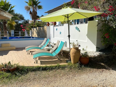 Casa Caleca, Guest suite, tranquil and traditional