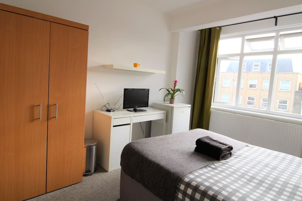 London L Cheap Private Extra Large Double Room Apartments For Rent In London England