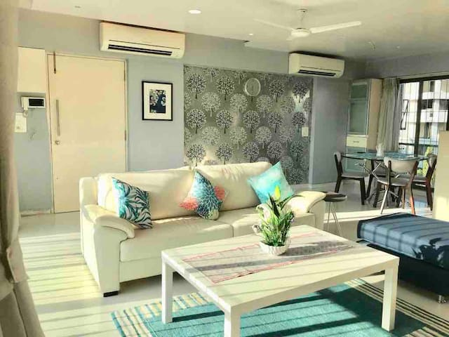 Amazing Sea views in Bandra - Room 1