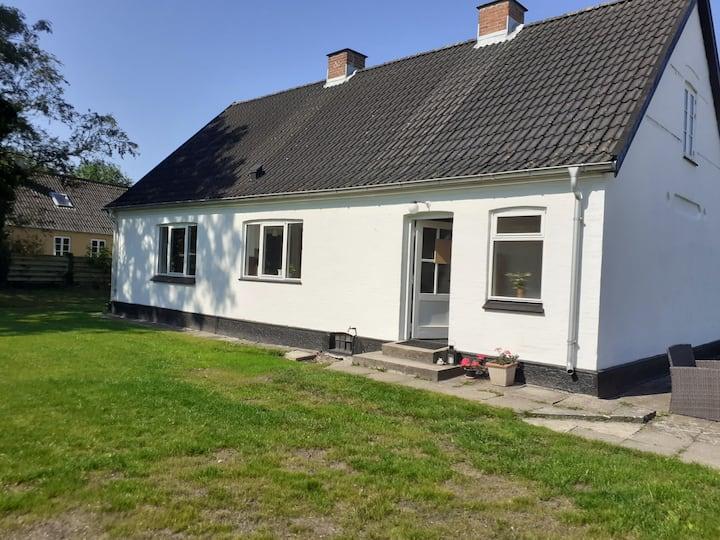 Hyggeligt hus med kig til Limfjorden