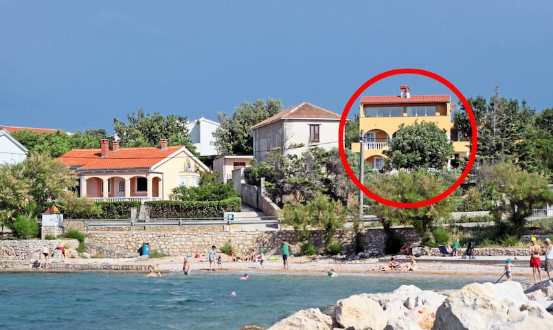 Two bedroom apartment with balcony and sea view Vinjerac (Zadar) (A-5824-a)