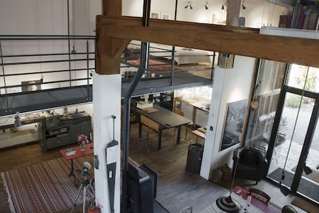 splendid Artist's Loft in an old  workshop
