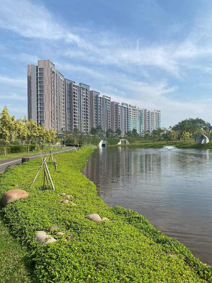 Spacious Luxury Condo at Navapark BSD
