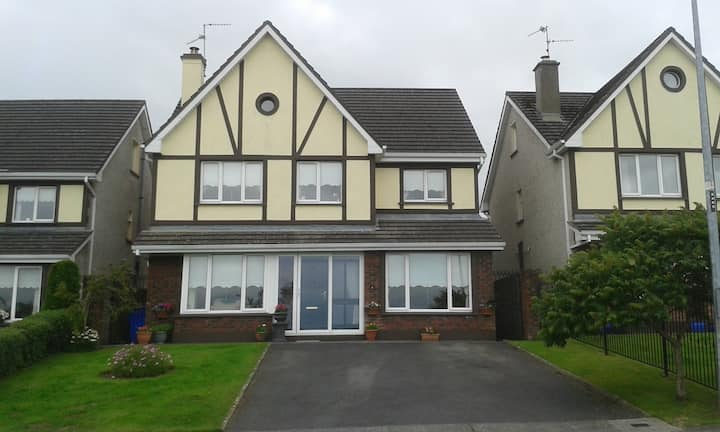 Woodfield Two - Double  Ensuite - quiet home