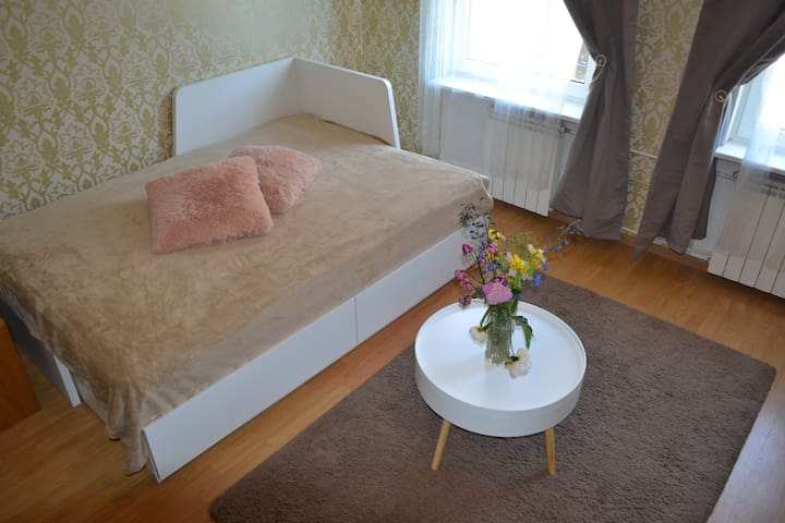 Small  Studio, 10 min walk to Old City !