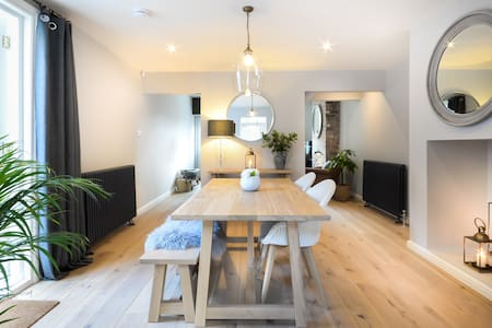 New luxury townhouse within the City walls