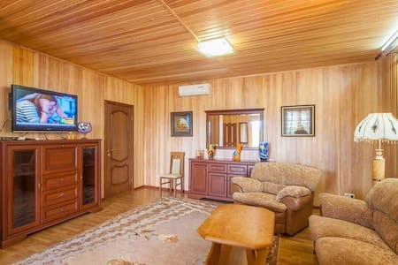 Cottage Zephyr. Abuzerye  will be glad to meet guests in the bosom of the picturesque Belarusian nature.