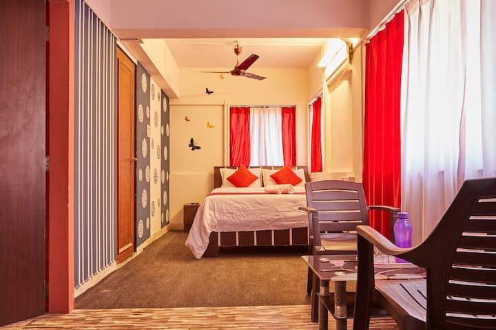 Private Room in Kalpataru Malad - Mumbai