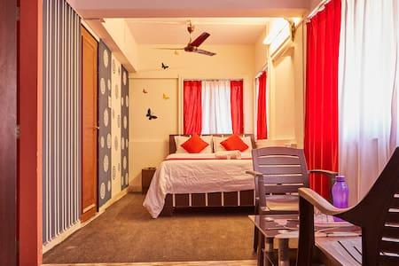 Private Room in Kalpataru Malad - Bombay - Maison