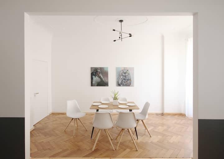 Quiet and spacious flat in historic Riga 80m²
