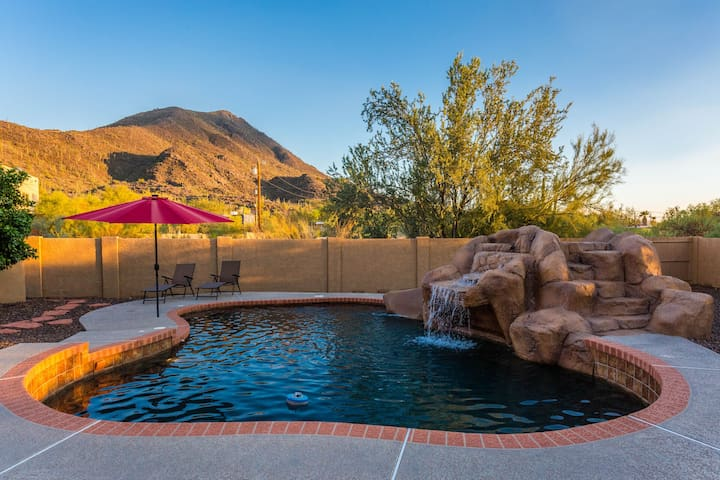 Saguaro Sunset @ Cave Creek Mountain View 4 BR Home/ PVT Pool/ Jacuzzi