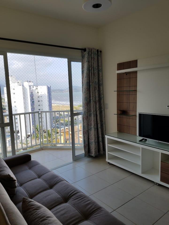 Apartamento em Caraguatatuba, em frente a praia.
