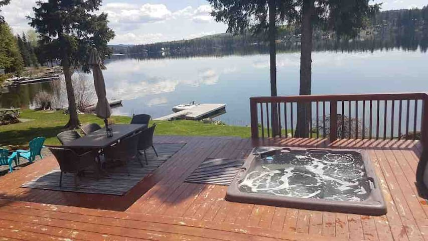 Stunning home on Deka Lake with modern amenities.