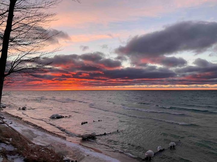 2 Bedroom Lake Michigan Private Beach