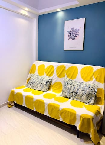 Cozy 2-BR apartment @Mongkok, 1 min MTR 6-8 ppl