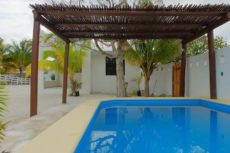 Casa en hermosa playa Yucatán Mex. - Chicxulub Puerto - บ้าน
