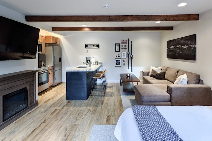 Beguiling studio condo within walking distance to Sun Valley Lodge
