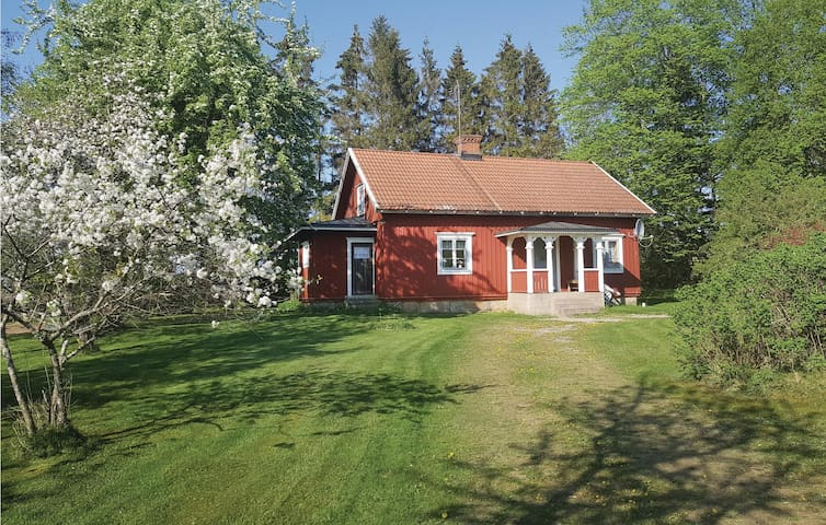 Holiday cottage with 1 bedroom on 70m² in Falköping