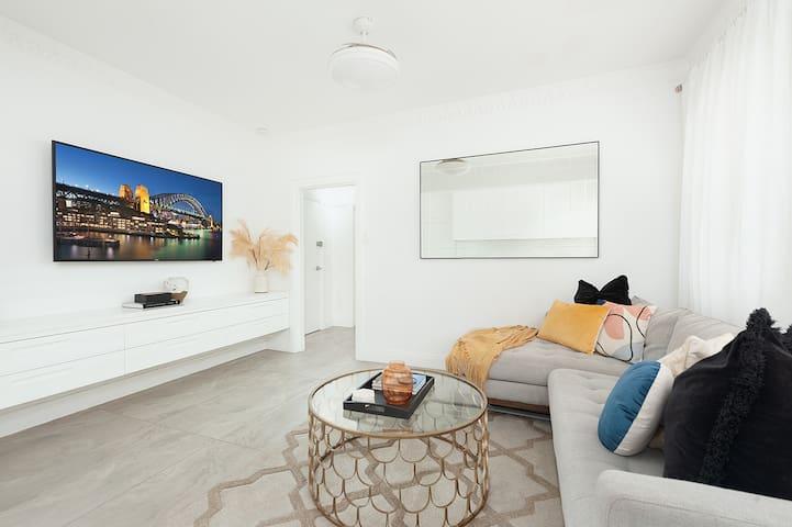 Luxury Escape in Bellevue Hill Apartment