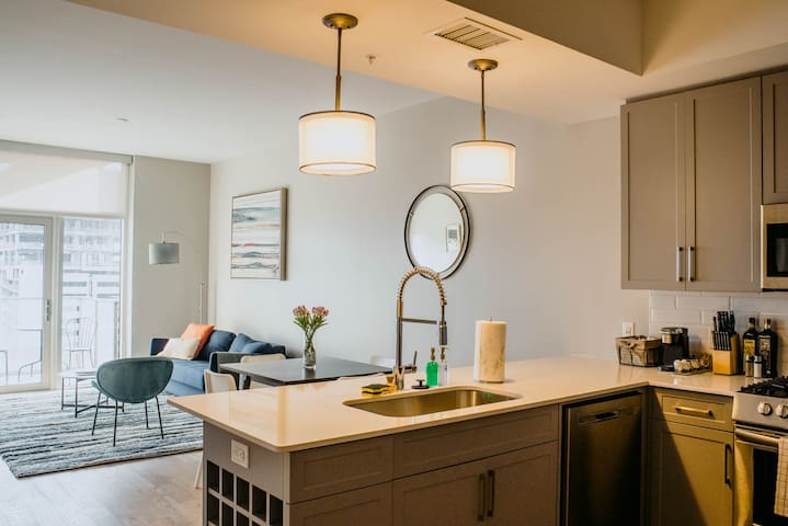 Kasa | Nashville | Luxury 1BD/1BA Apartment | 31+ Day Rental ONLY