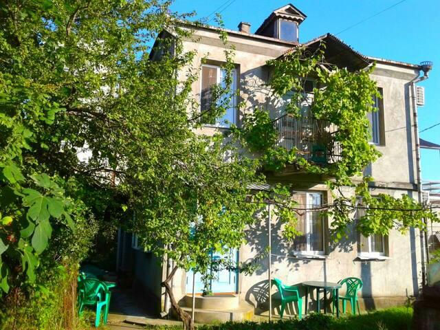 Комната в Гостевом Доме у моря г. Гагра Абхазия
