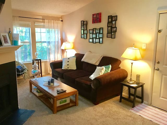 Quaint, Perfectly Located Chapel Hill Apartment - Chapel Hill - Appartamento