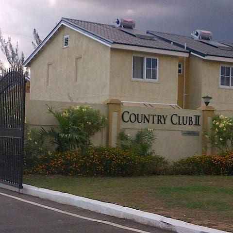 Portmore Vacation Rental - Portmore - Townhouse