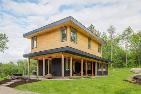 Modern Home in Lincoln on 13 Private Acres
