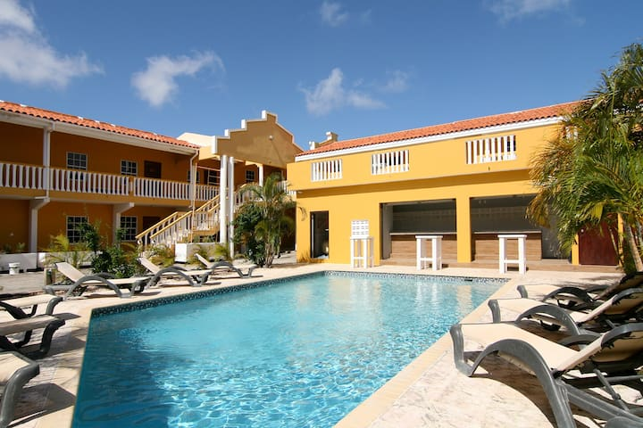 2-Bedroom apartment in gated community with pool