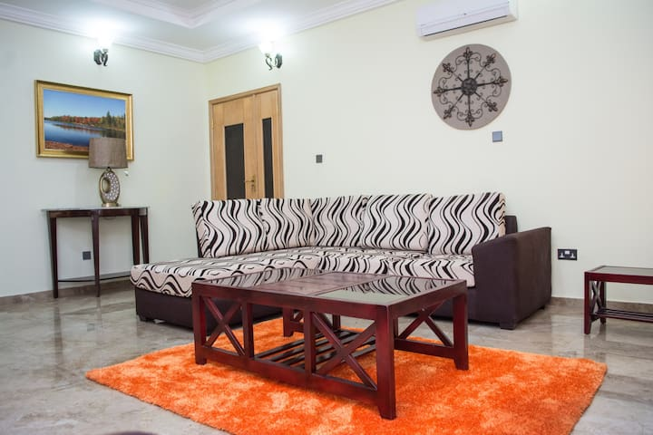 3 bedroom fully furnished apartment