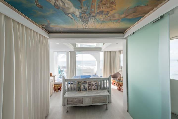 Morabito Art Cliff Bingin Santorini Dali bedroom