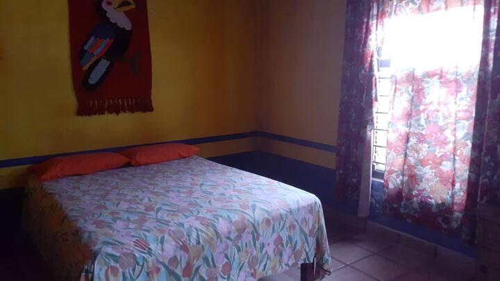 Casa en guayabitos a 2 cuadras de la playa
