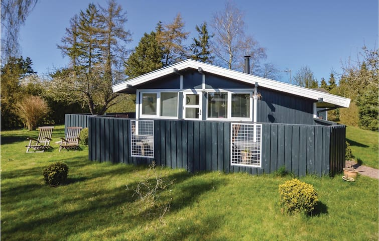 Holiday cottage with 2 bedrooms on 49m² in Eskebjerg