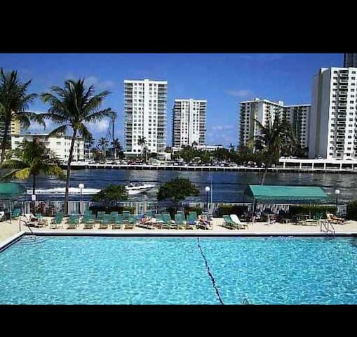 Lindo apartamento en Hallandale - Hallandale Beach, Florida, US - Appartement