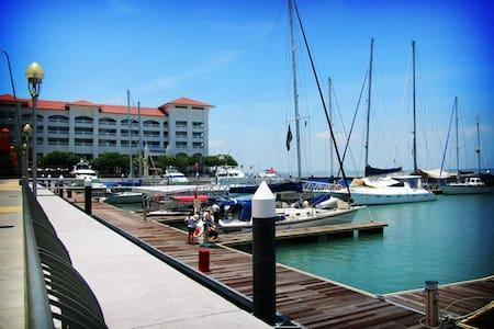 Penang Marineland Suites 槟城海湾民宿 - Tanjung Tokong