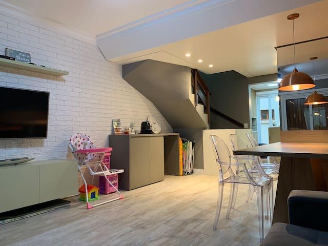 LINDA Casa Duplex a 2 qds da praia em Xangri-Lá