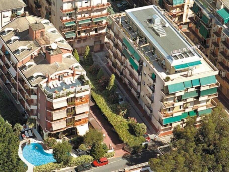 il residence dall'alto con piscina a pochi passi dal mare!