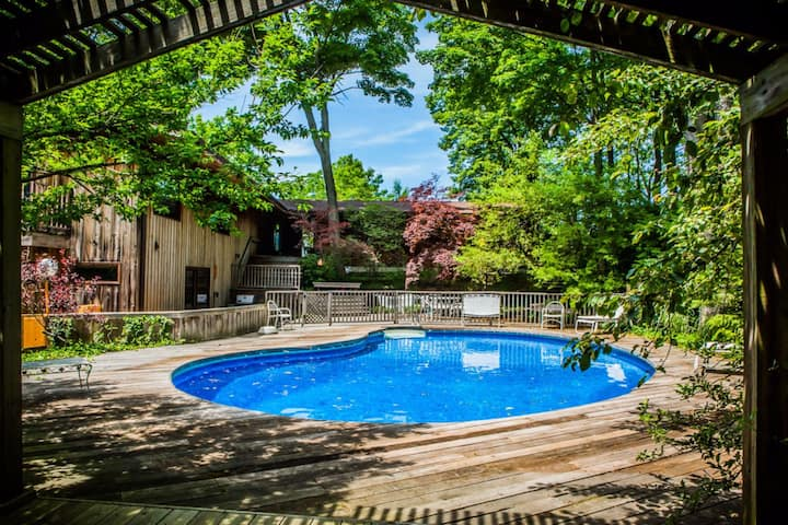 Clearly Coastal - 4 BR Lakefront Pool House With Private Beach