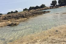 Spiaggia di roccia.