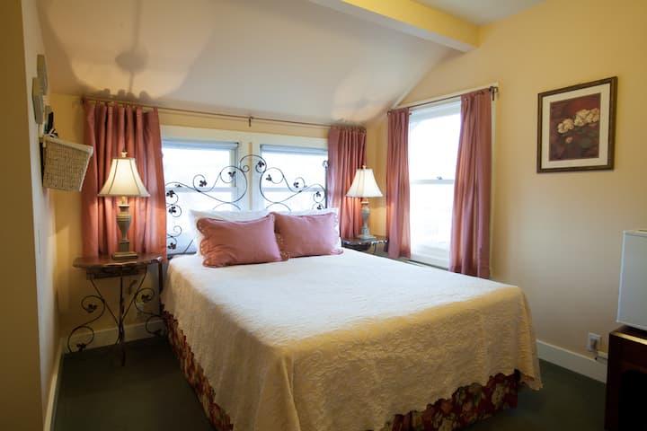 Oak Street Hotel - Room 5