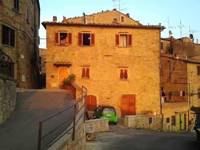 Appartamento nel centro storico - Volterra - Apartment