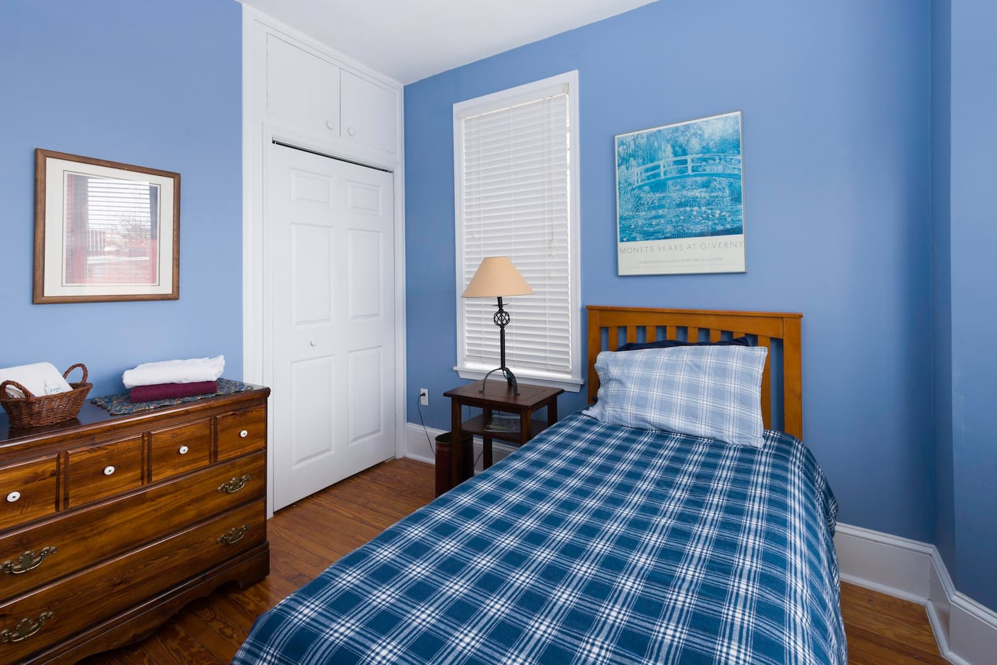 This room currently has this single bed and three drawer bureau.
