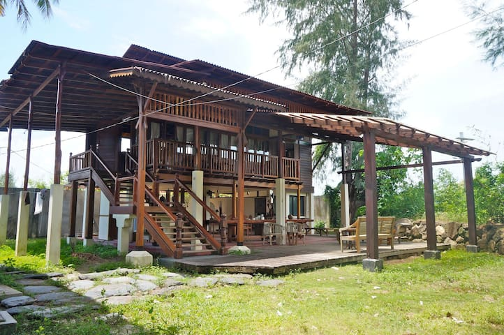 Village 19 Riverside House Close To Beach - Langkawi - Rumah