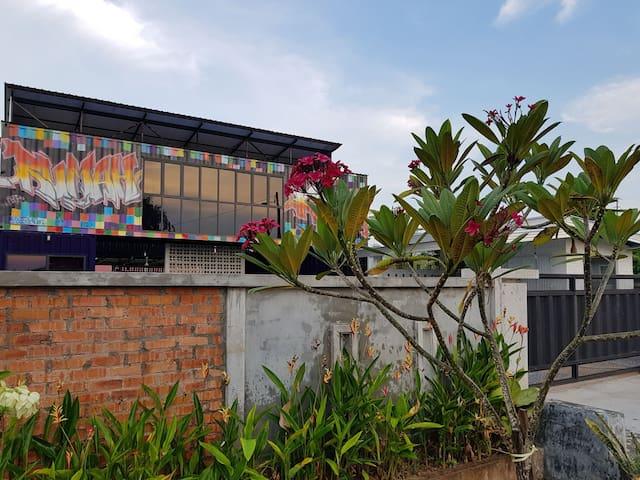 Stylish Container Villa Near Melaka Town, 15-20pax