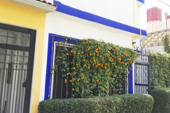 Beautiful small house with a retro-modern look - Ciudad de México - Dom