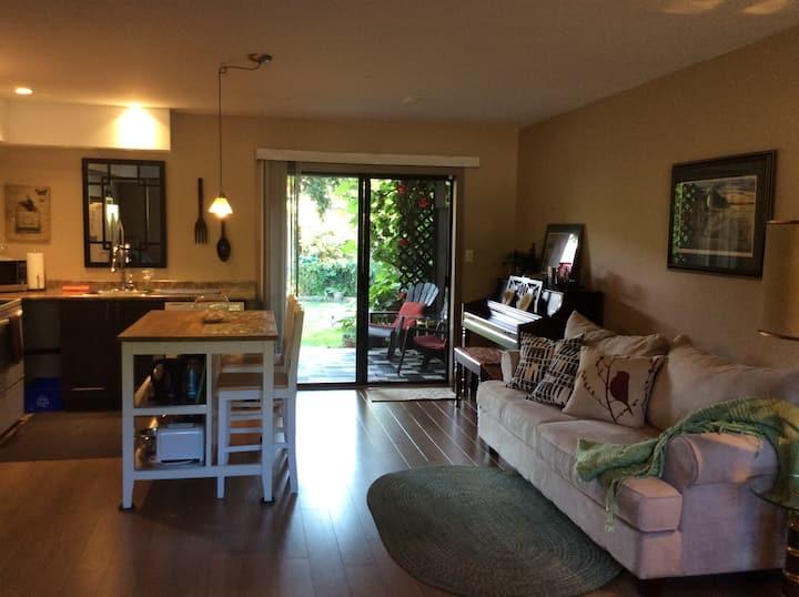 Davis Bay Studio Suite