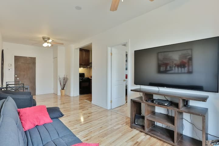 DS - Modern 1BR - Downtown Montreal #103 🌈  Monthly Rental Available