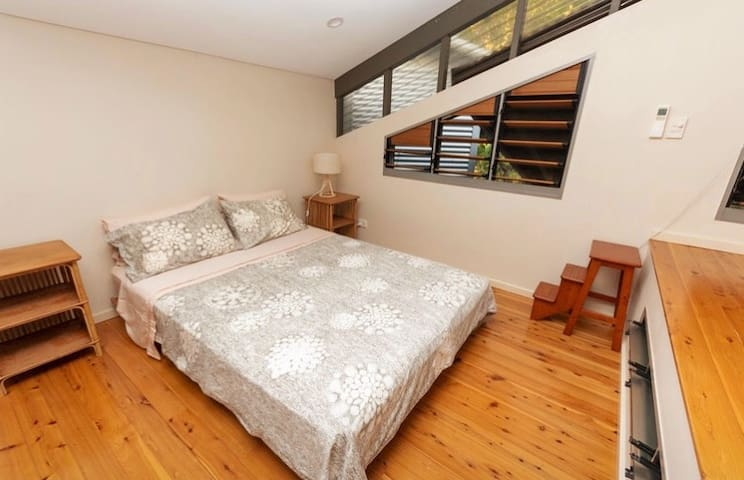 oooh, what's up here? a beautiful bedroom loft!