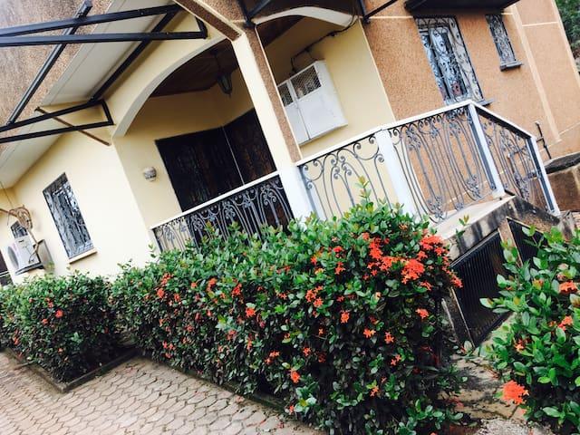 Appartement meublé. - Yaounde - Apartment