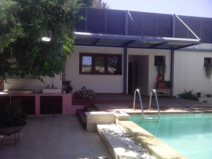 Guest house with garden and pool